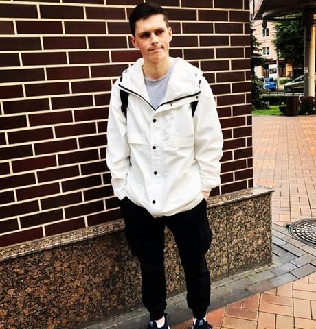 Парни в Калининграде: Илья Обломов, 23 - ищет девушку из Калининграда