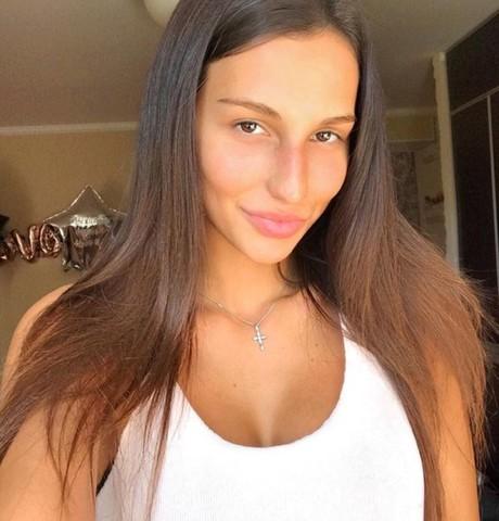 Девушки в Санкт-Петербурге: Алина, 27 - ищет парня из Санкт-Петербурга