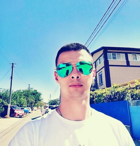 Парни в Пскове: Сергей, 23 - ищет девушку из Пскова