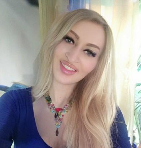 Девушки в Новосибирске: Алина, 37 - ищет парня из Новосибирска