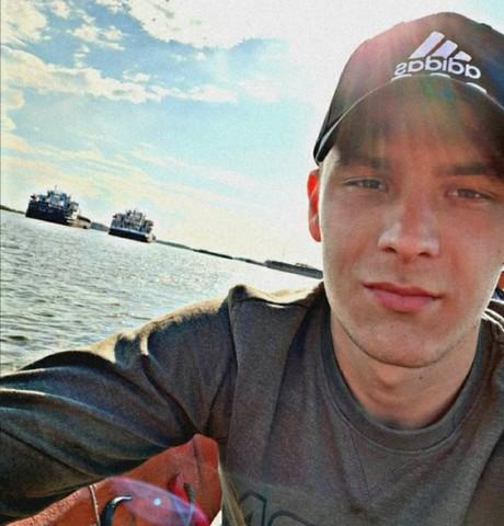 Парни в Волжском (Волгоградская обл.): Александр, 24 - ищет девушку из Волжского (Волгоградская обл.)