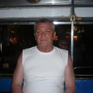 Виктор, 63 года, Сургут