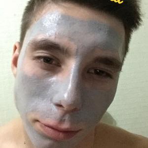 Павел, 22 года, Березовский