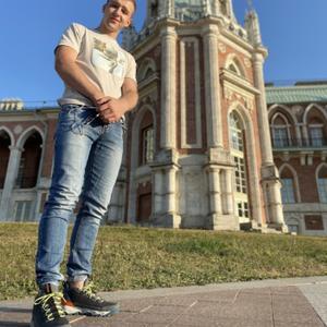 Павел, 24 года, Москва