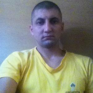 Джон, 35 лет, Нягань
