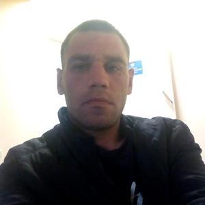Антон, 32 года, Магадан