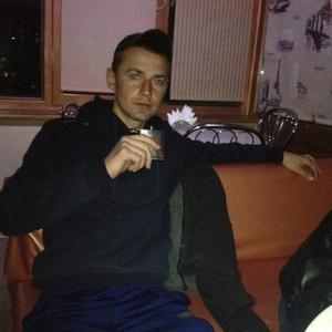 Илья, 31 год, Саки