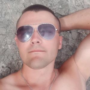 Антон, 23 года, Судак