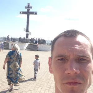 Михаил, 32 года, Березники