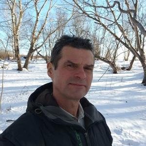 Виктор, 58 лет, Эссо