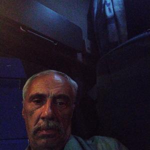 Виктор, 65 лет, Санкт-Петербург