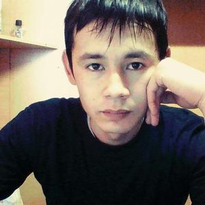 Александр, 33 года, Магадан