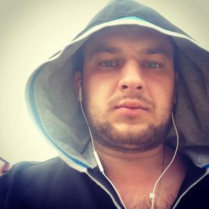 Виталий, 33 года, Урай