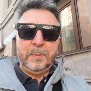 Александр, 65 лет, Санкт-Петербург