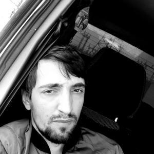 Рустам, 27 лет, Губкинский